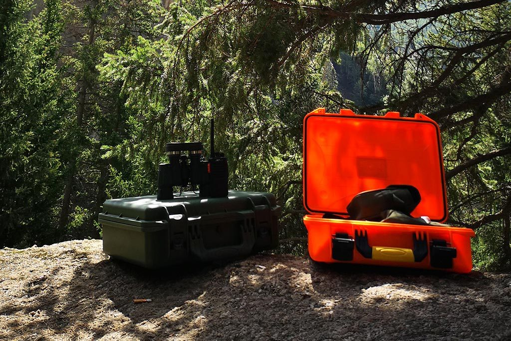 Outdoor Schutz-Koffer mit Fernglas Optik